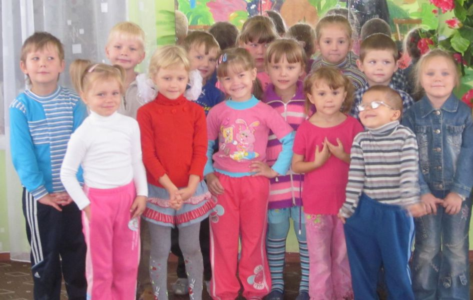 Ukrainian kids don't have enough sleeping accommodation and bed sheets.