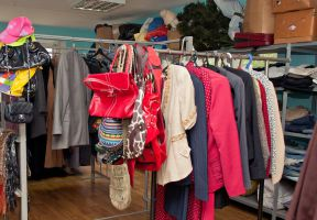 Do a good deed – bring clothes to the migrants and those in need.