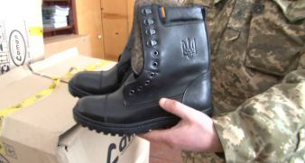 Warm army boots for our defenders